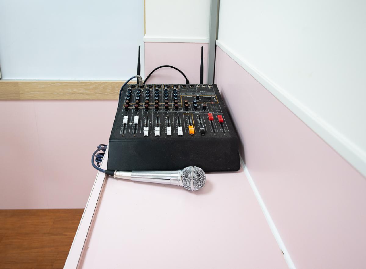 高級廣播設備